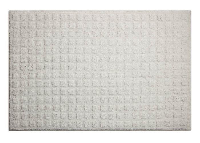 Bílá předložka v hodnotě 599 Kč